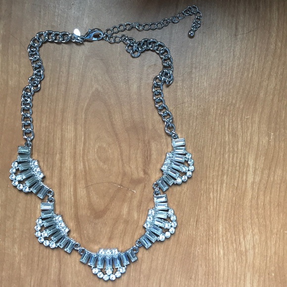 Jewelry - Silver Accent Necklace